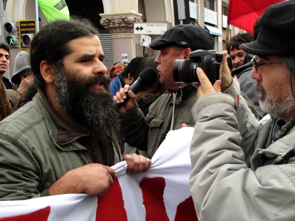 Trabajadores Contratistas acusan violento accionar de Carabineros en detención del Presidente de Sindicato Siteco