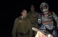 Carabineros rescata a jóvenes motociclistas desde cerro de Machalí