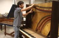 Restauranción del piano de O'Higgins gran labor del luthier del Teatro Regional de Rancagua