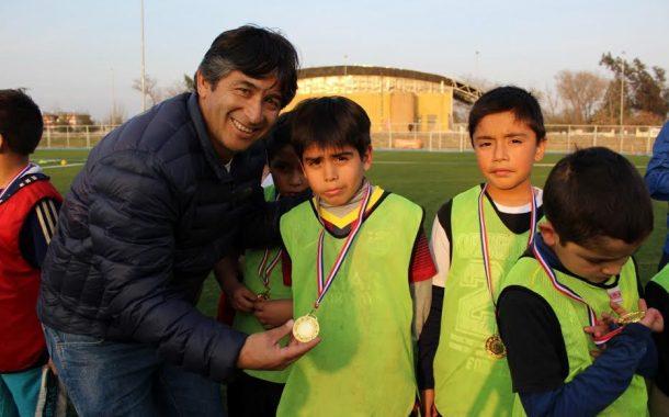 Escuelas municipales de fútbol de Rancagua vibraron con exitoso masivo