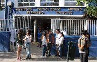 Autoridad de Educación recorrió locales donde se rendirá la PSU