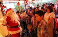 Niños del Pequeño Cottolengo celebraron navidad en la casa del viejito pascuero