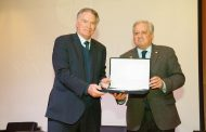 Alberto Quintano recibe premio Fair Play otorgado por el INAF y la USS