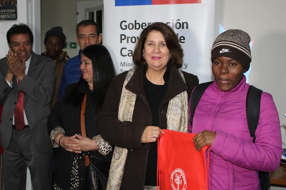 Gobernación imparte clases de español a inmigrantes haitianos y promueve su inclusión social
