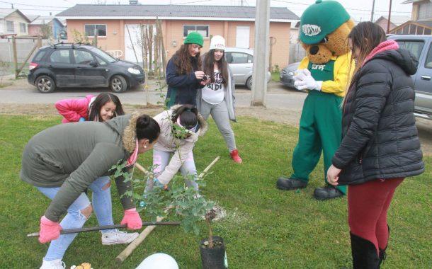 CONAF participa de iniciativa municipal de plantación de árboles en  Rancagua
