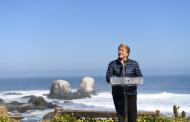 Presidenta Bachelet firmó en Pichilemu proyecto de ley para prohibir el uso de bolsas plásticas en ciudades costeras