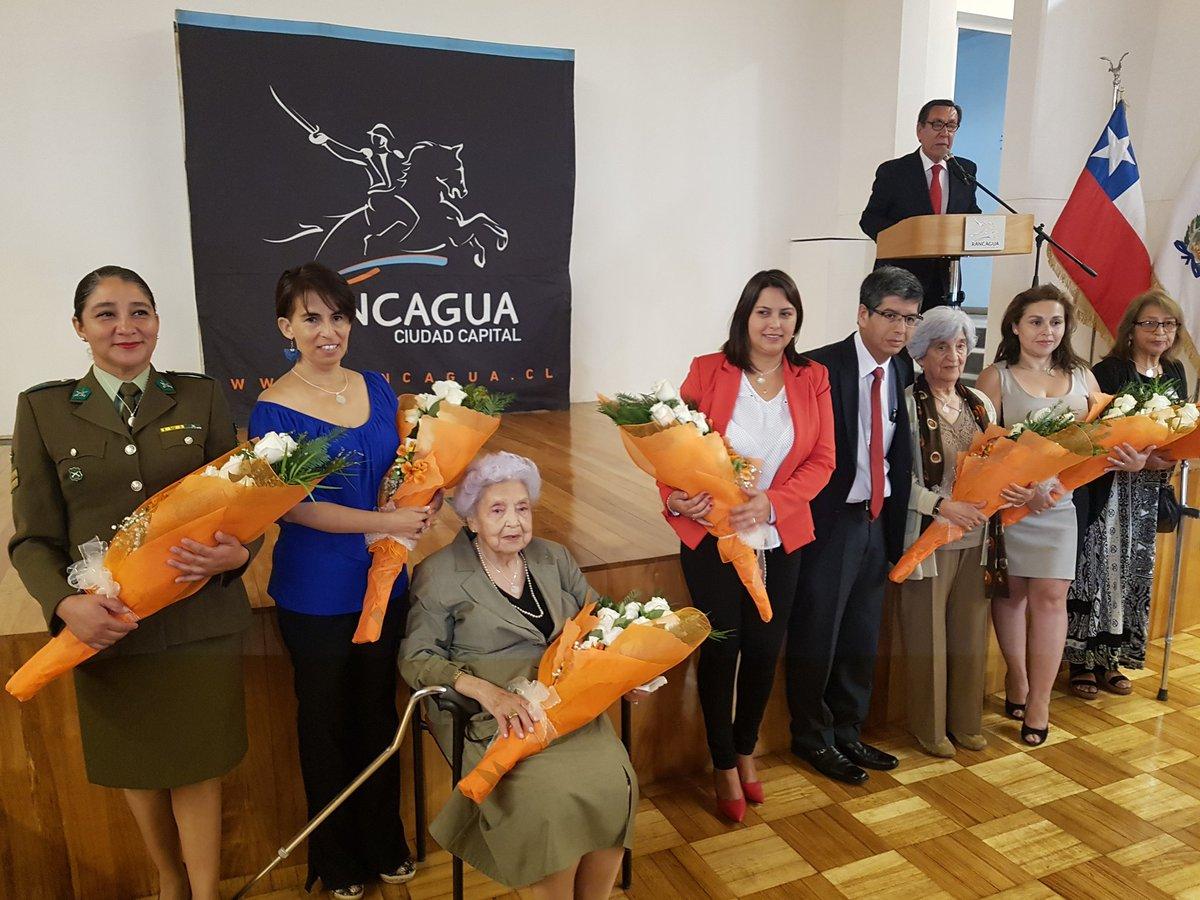 Municipalidad de Rancagua distinguió a siete destacadas mujeres para conmemorar su día