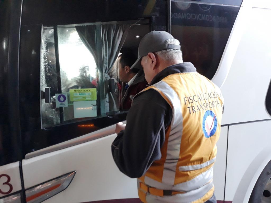Realizan fiscalización integral en terminal de buses O'Higgins