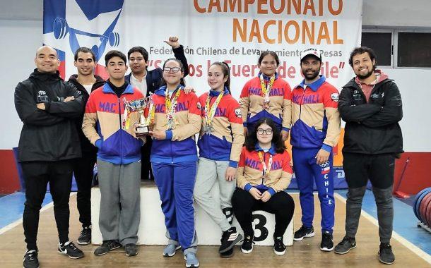 Levantadores de Pesas: Una Campeona Nacional y Medallas por Doquier
