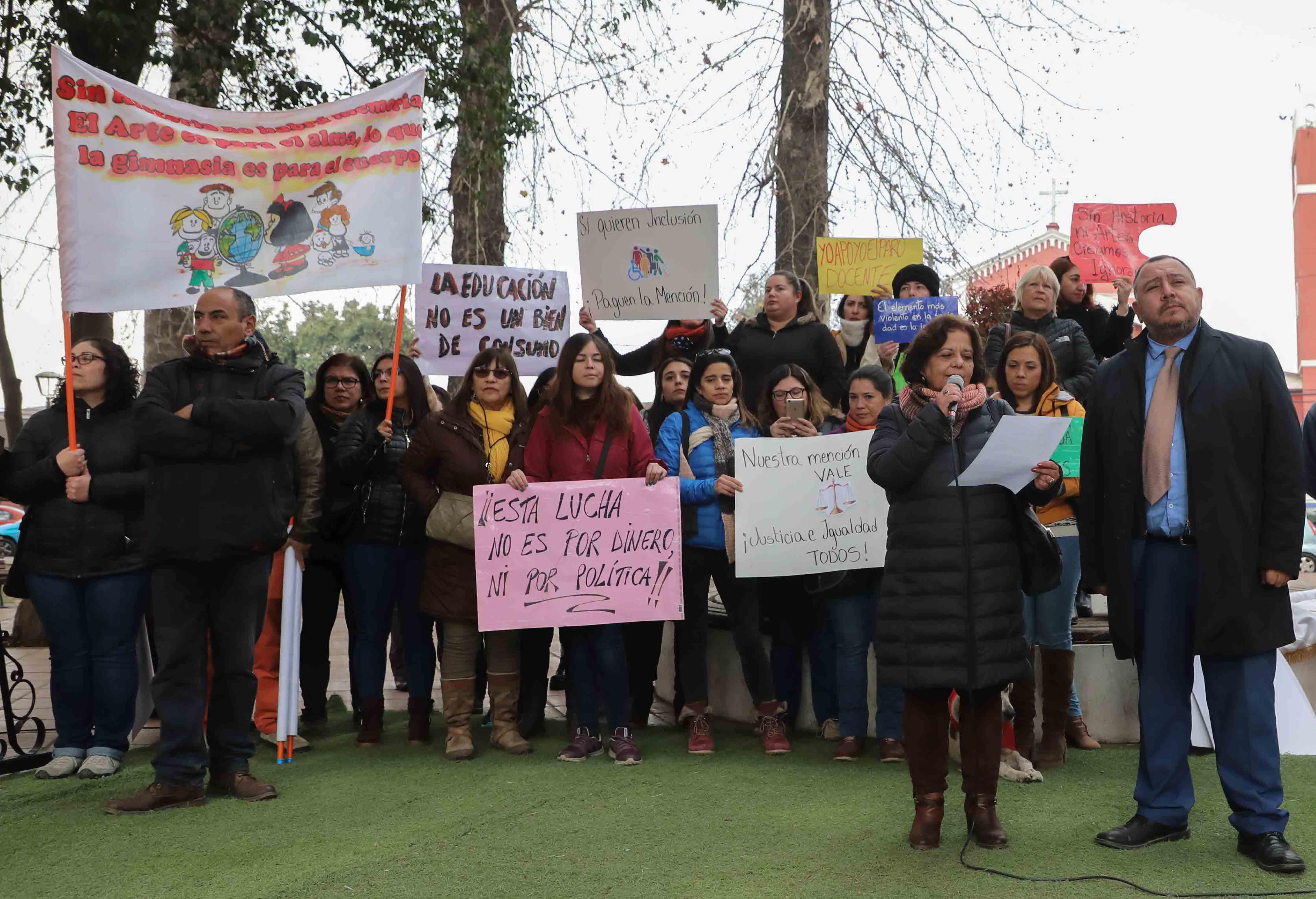 Alcalde de Graneros anunció que la comuna seguirá con clases de Historia y Educación Física