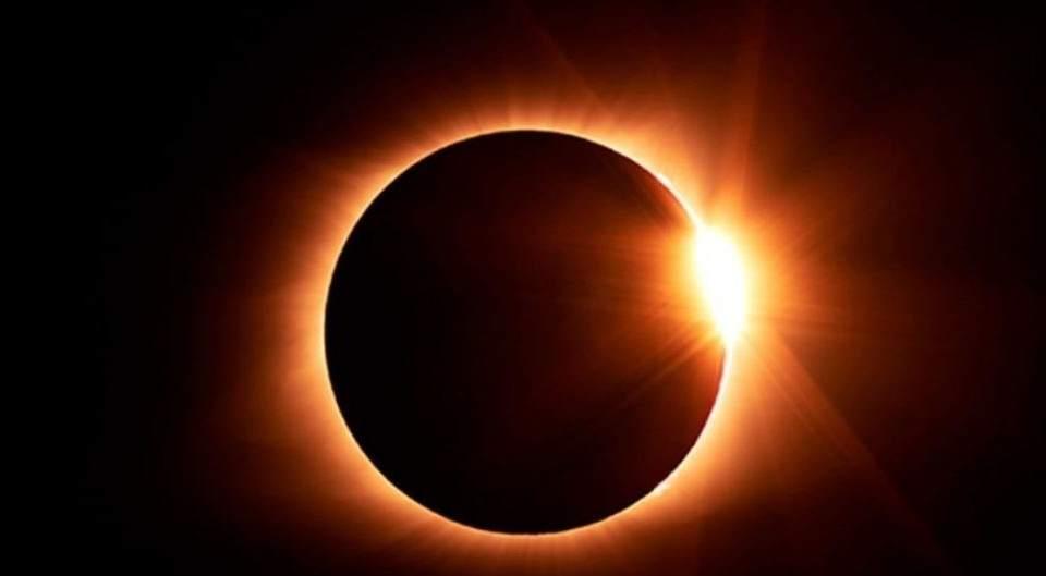 Fenómenos como el eclipse solar y el cambio climático vuelven necesarios proyectos de energía híbrida