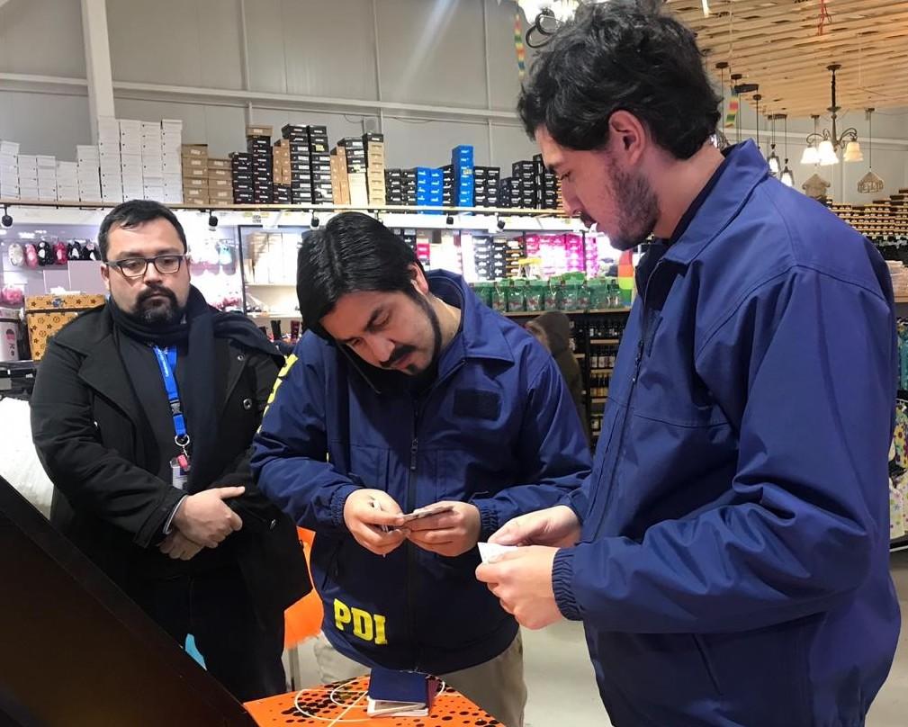 Fiscalizan a extranjeros que trabajan en el Comercio de Rancagua