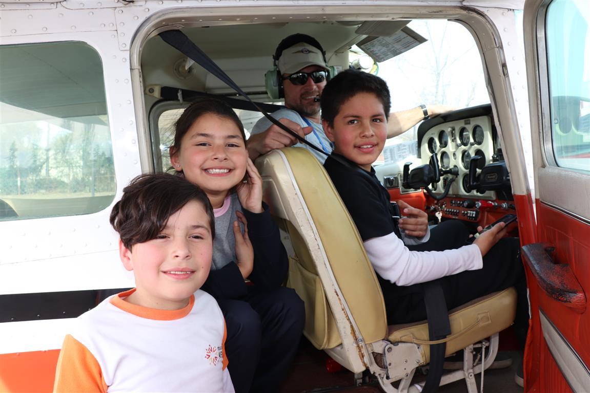 Niños y niñas de Rancagua disfrutaron de vuelos populares