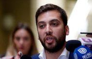 Diputado Raúl Soto (IND) propone fijar sueldo número 13 y aguinaldos obligatorios de 50%