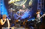AC/DC alista show de los Grammy con su ex baterista, Chris Slade