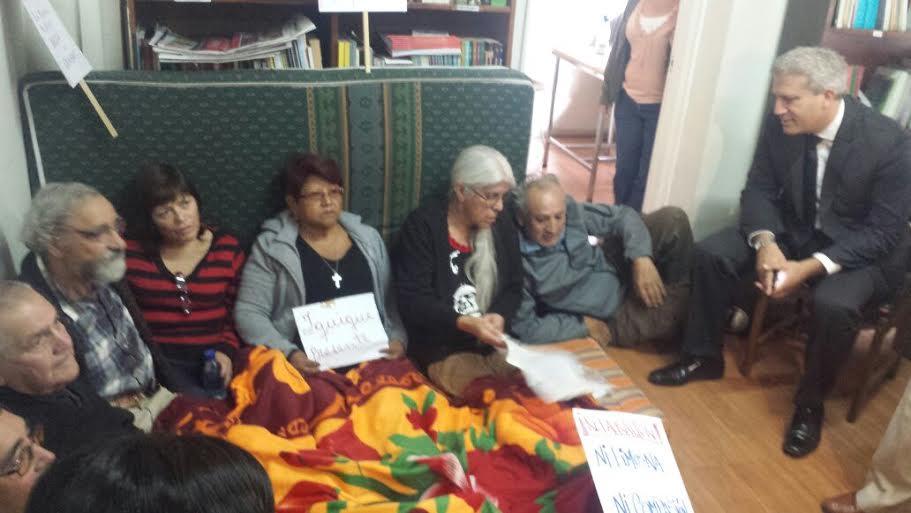 Diputado DC se reúne con ex presos políticos en huelga de Hambre