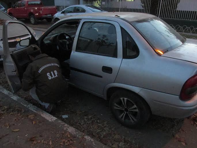 Carabineros recupera dos vehículos robados