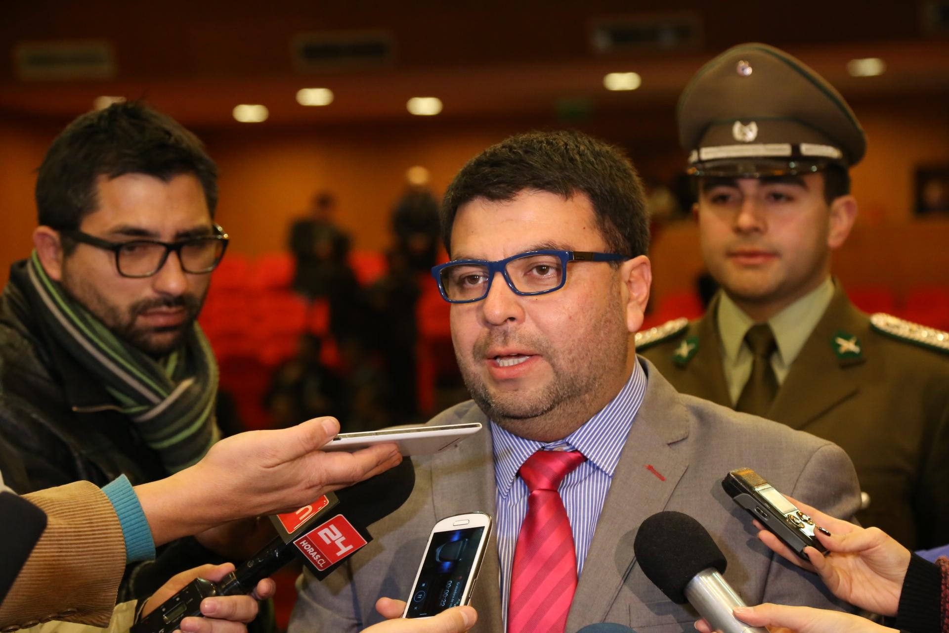 Intendente asegura que las celebraciones de Acuerdos de Unión Civil previamente agendadas se realizarán