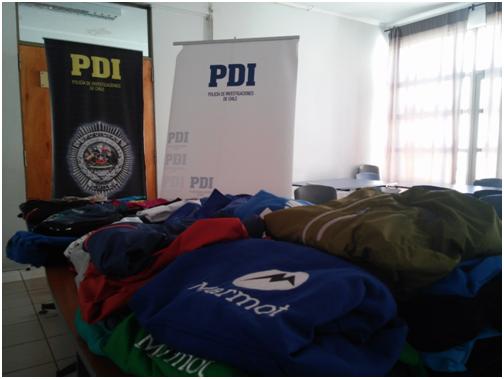 PDI descubre millonaria cantidad de ropa falsificada