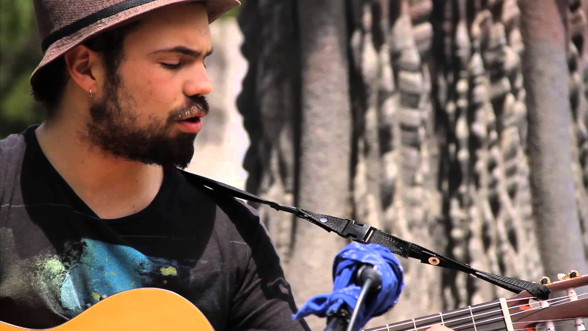 El artista nacional Josemaría Moure se presentará gratis en San Vicente de Tagua Tagua, Paredones y Machalí
