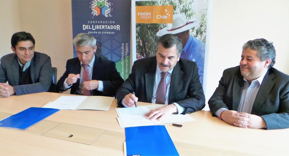 Seremi de Agricultura y Corporación del Libertador firman acuerdo de cooperación con miras a pequeños productores