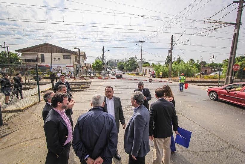 """Alcalde Segovia: """"por Graneros no pasará el Rancagua-Express  si no construyen el paso desnivelado"""""""