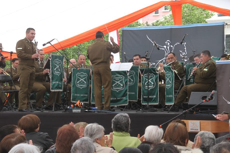 Adultos mayores de Rancagua celebraron su día junto al Orfeón Nacional de Carabineros