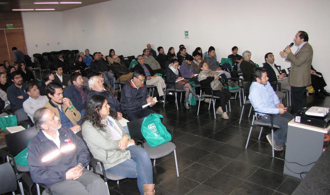 Seremi del Medio Ambiente desarrolló seminario sobre mejoramiento térmico de viviendas y alternativas de calefacción sustentable