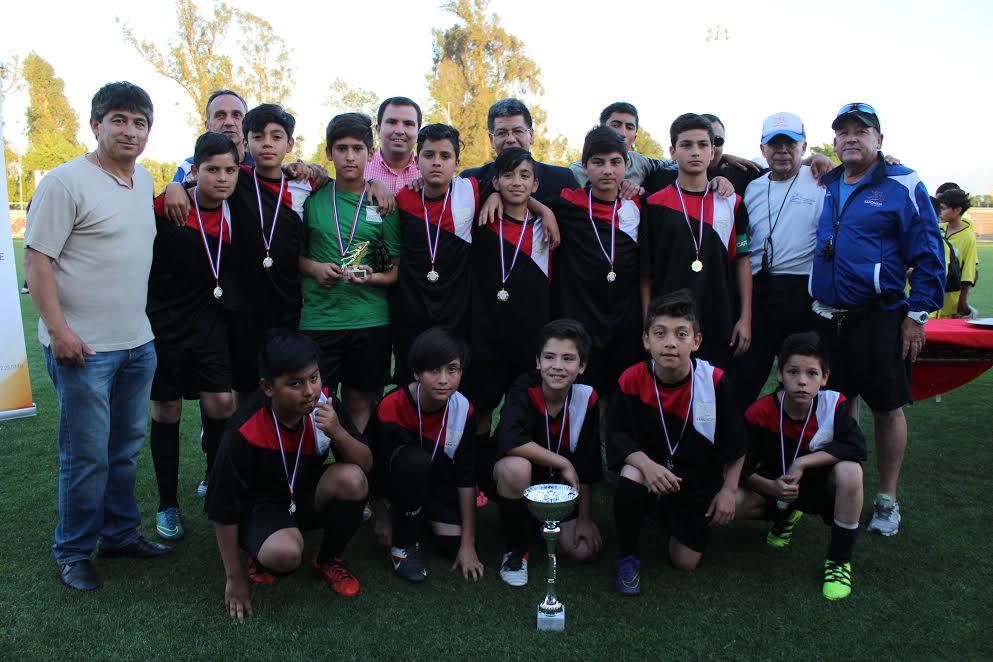 Escuela Municipal de Fútbol Patricio Mekis representará a Rancagua en importante torneo argentino