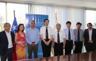 Delegación de China visita a Intendente por emergencia agrícola y transferencia tecnológica