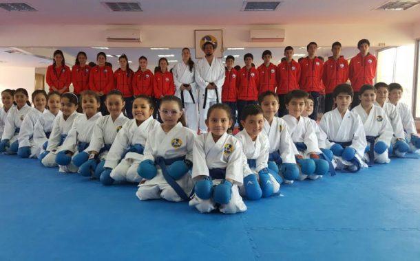 Proyecto 2% permite que club deportivo de karate viaje a competir a Europa