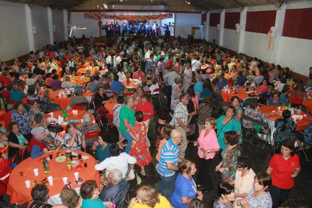 Adultos Mayores de Rancagua iniciaron sus actividades de este año con un entretenido malón
