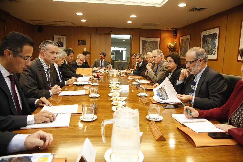 Junta de accionistas revisó plan de inversiones y capitalización de Codelco