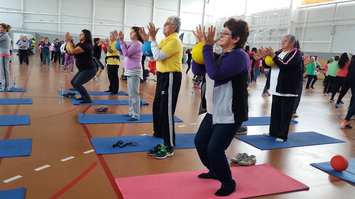 Adultos mayores de Rancagua participaron en masiva jornada saludable