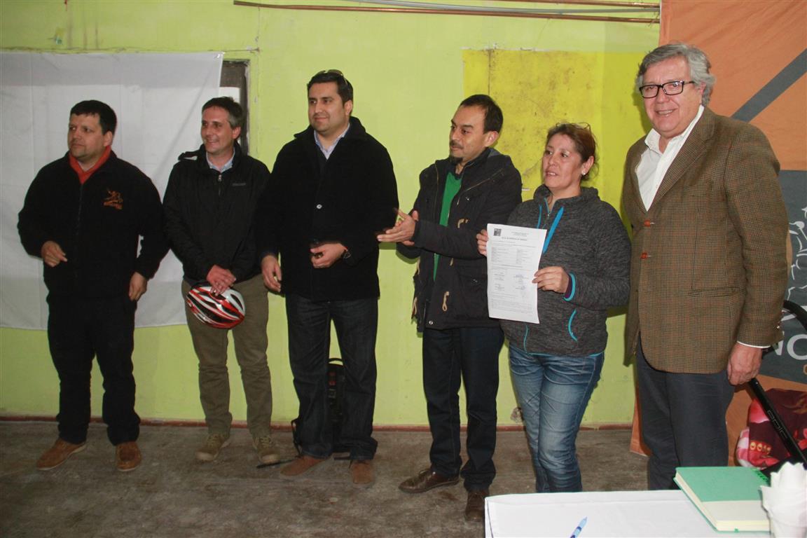 Vecinos de la villa Rodolfo Cortés se verán beneficiados con mejoras en sus departamentos