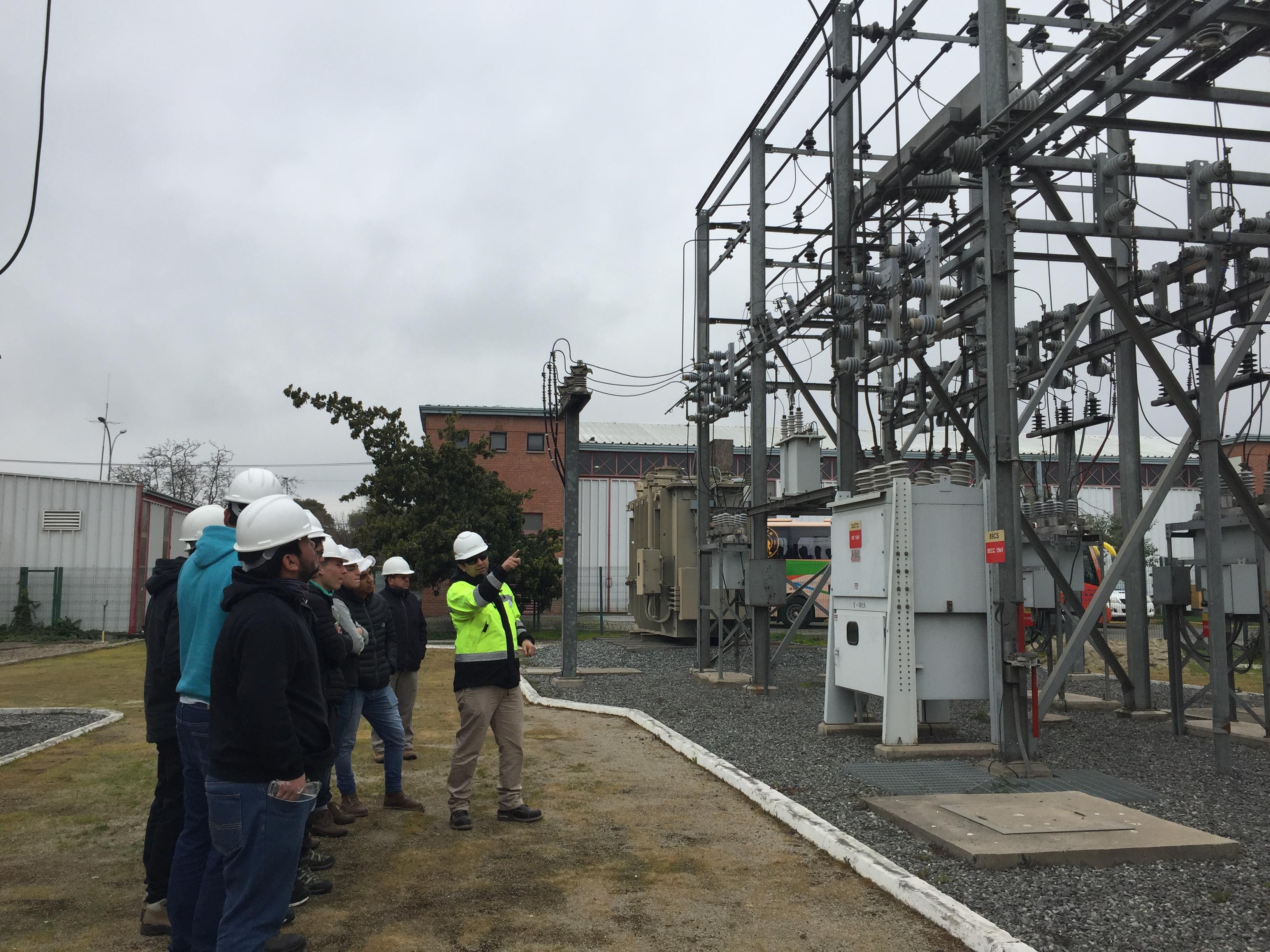 Alumnos de INACAP Rancagua refuerzan conocimientos en sistemas de transmisión eléctricos de CGE