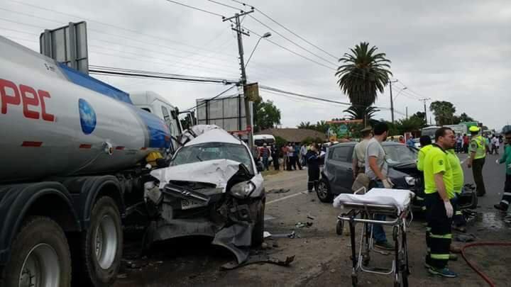 Un herido de gravedad y al menos ocho personas lesionadas tras colisión múltiple en Carretera de la Fruta