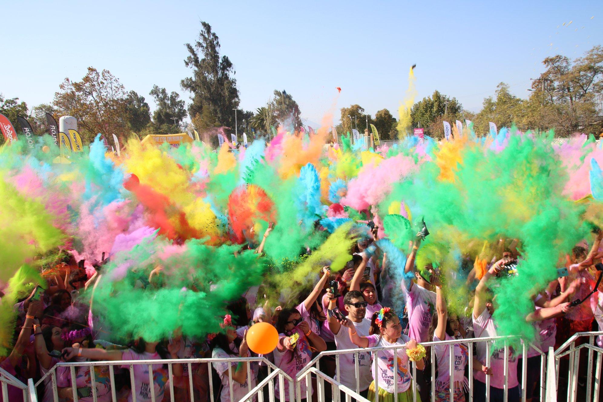"""Rancagua celebró """"The Color Run Dream"""" con más de 7 mil asistentes"""