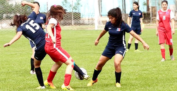 Juegos Binacionales: Inician prueba de jugadoras para el fútbol femenino
