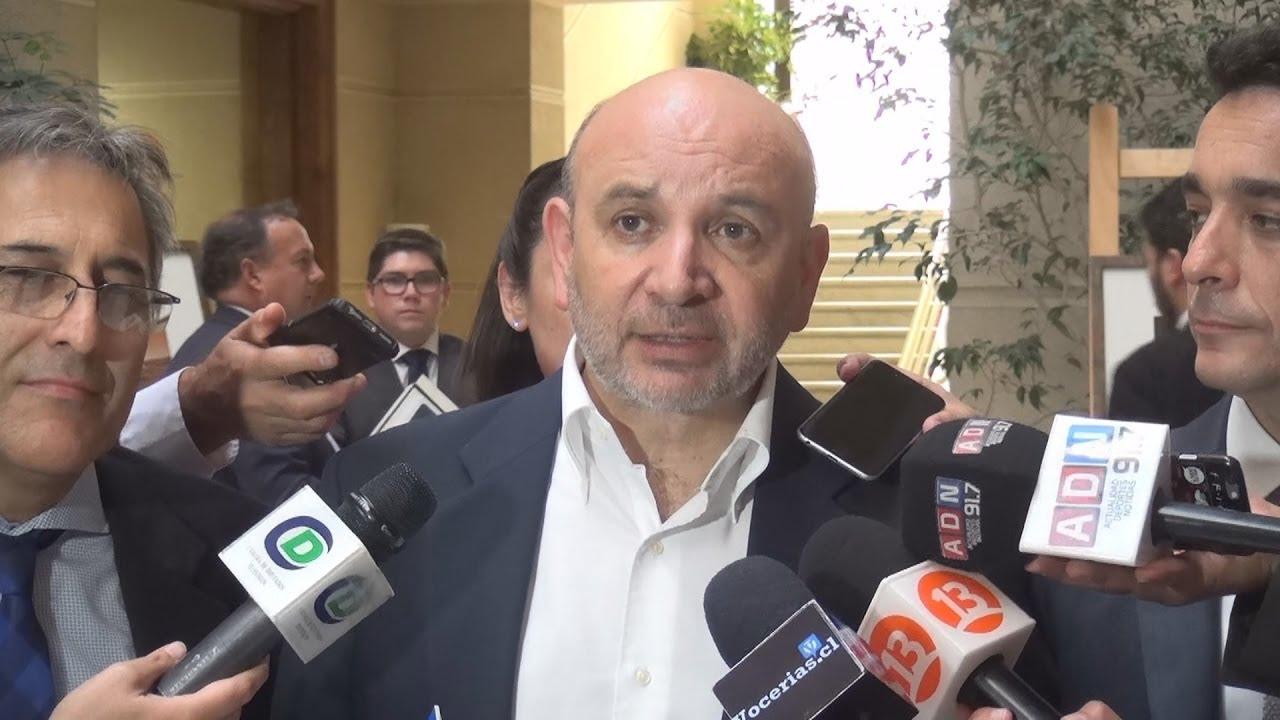 Diputado Castro (PS) valora reconocimiento de la Cámara a ex diputado Héctor Olivares como dirigente sindical
