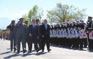 Exitoso desfile convocó a más de 10 mil espectadores y emocionó con aplaudida delegación de extranjeros