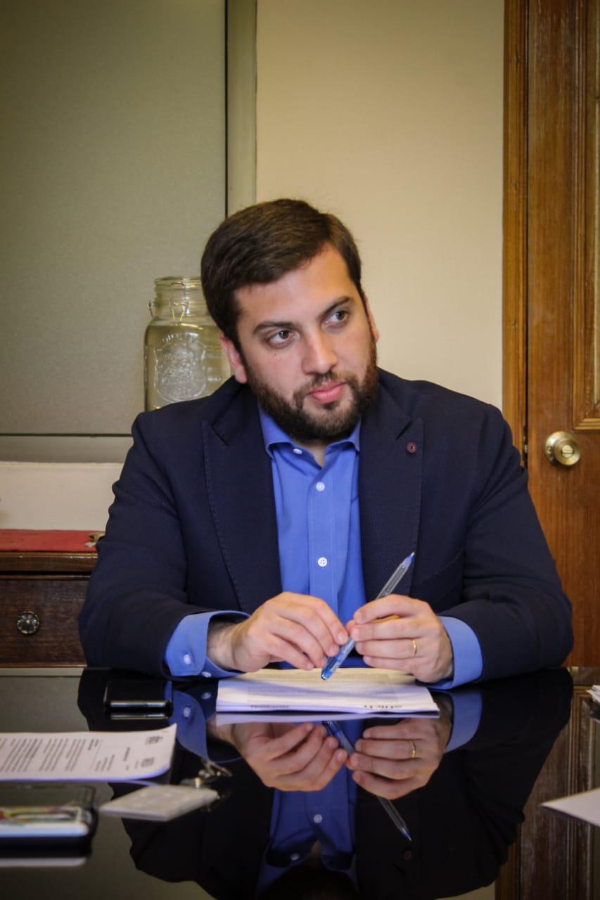 Diputado Raúl Soto emplaza al Gobierno a legislar por aguinaldo obligatorio