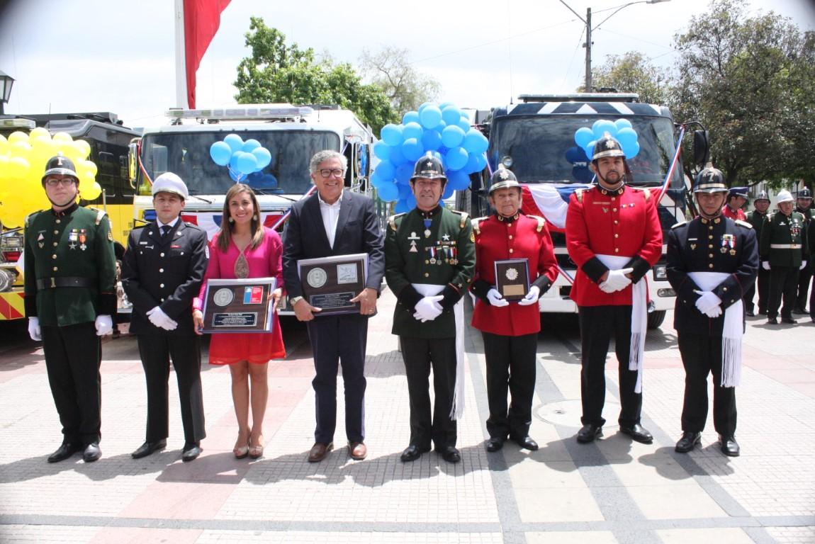 Cuerpo de Bomberos de Rancagua recibió cinco carros nuevos