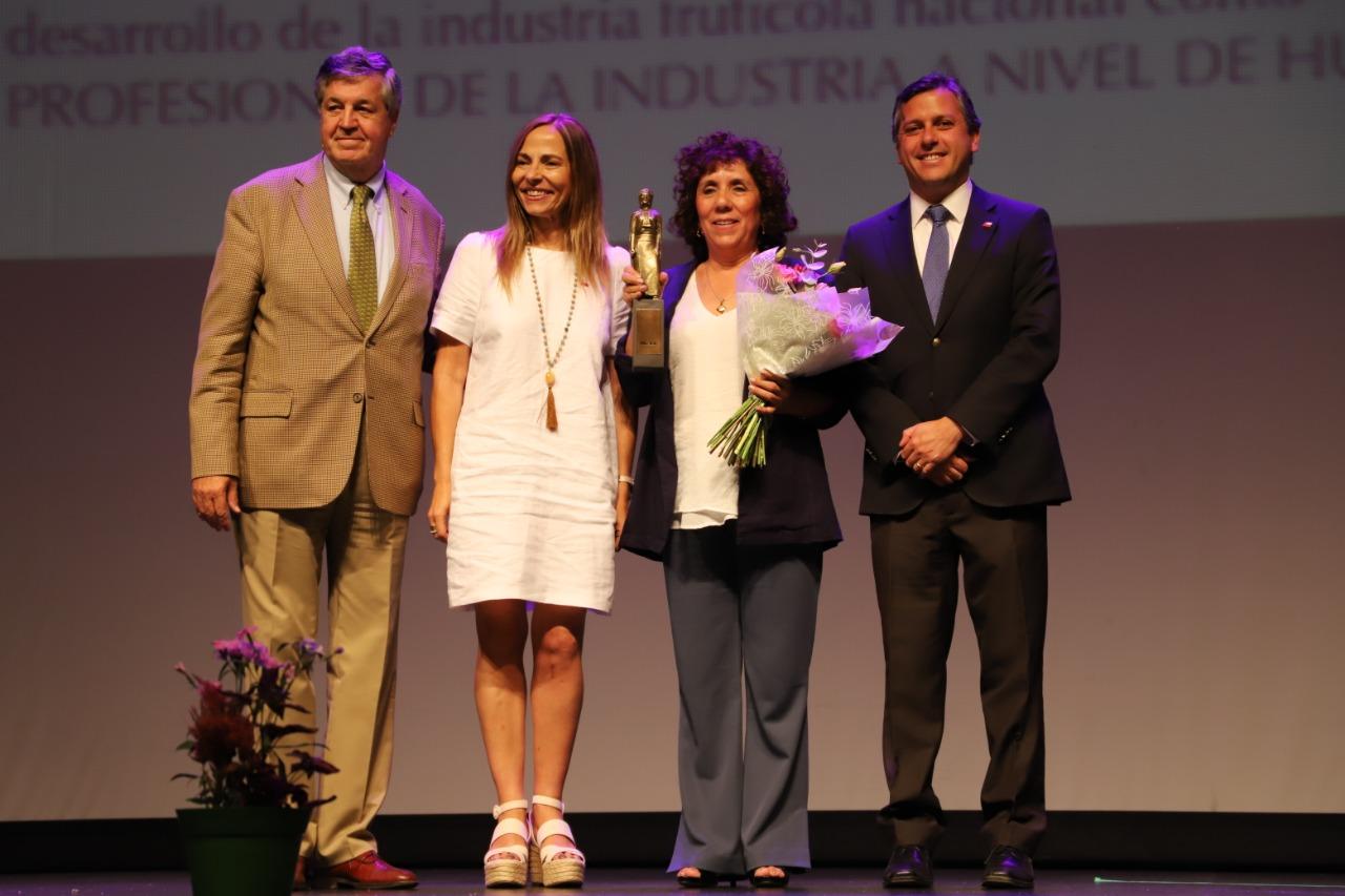 Premios Guacolda: Distinguen a 11 mujeres de la industria frutícola y por primera vez premiación se realiza en la región de O'Higgins