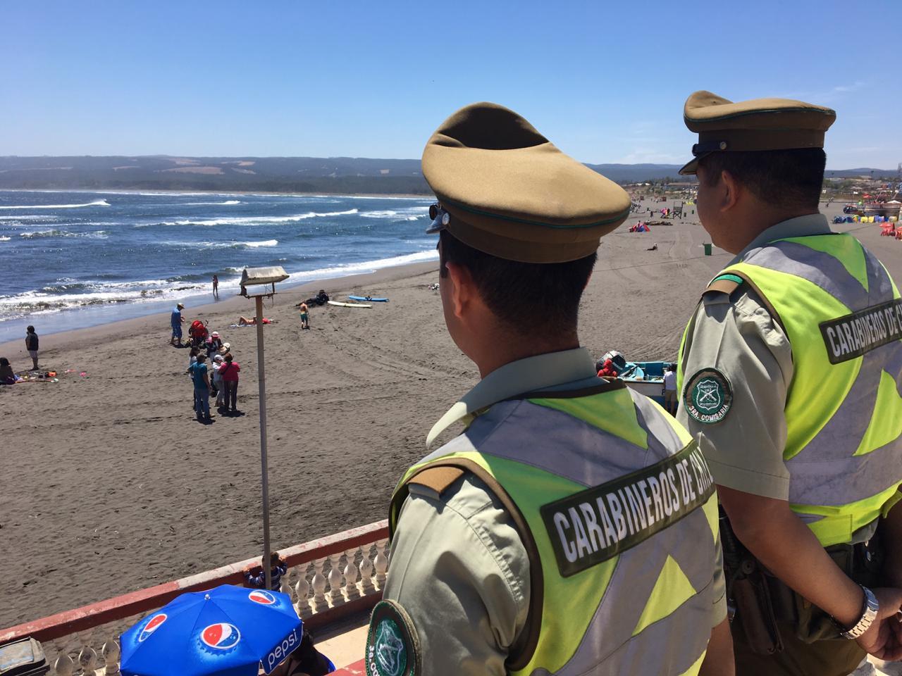 Carabineros realiza servicios reforzados en playas de Pichilemu