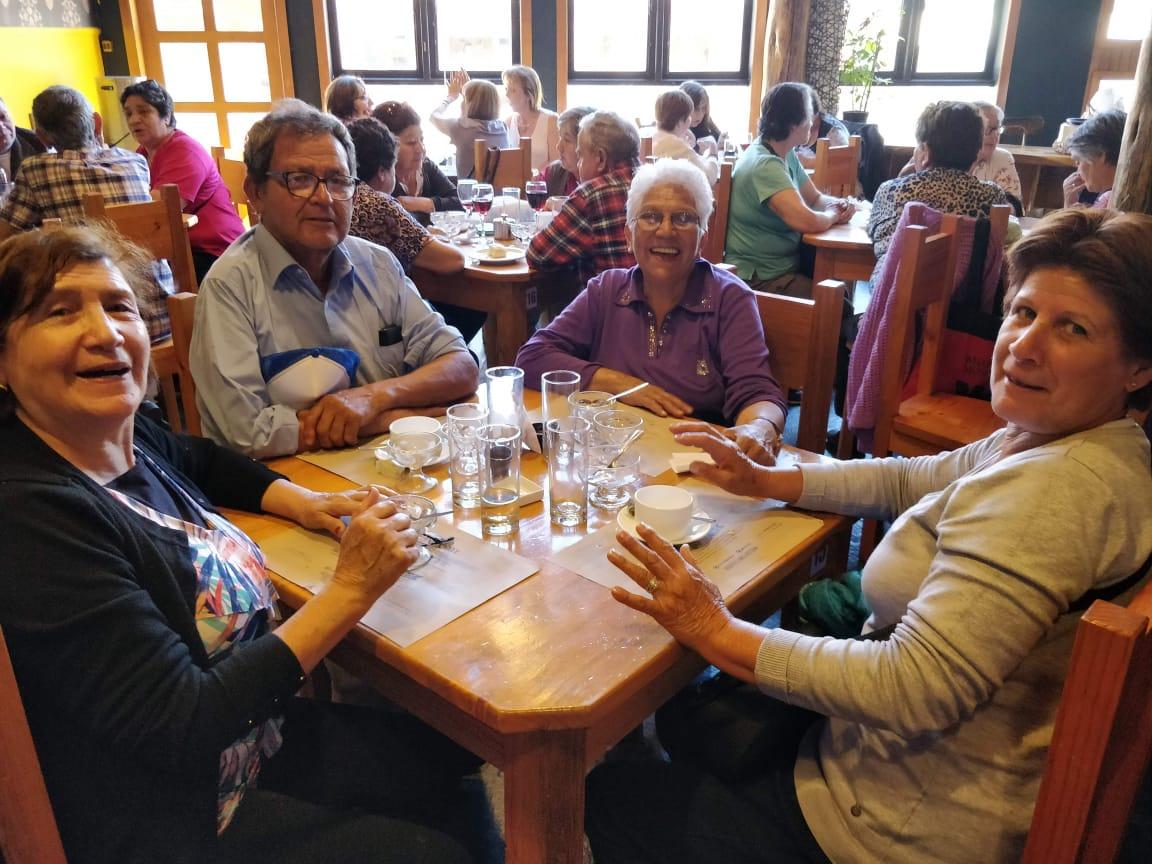Adultos mayores de todo Chile llegan hasta Pichilemu gracias al Programa Vacaciones Tercera Edad de Sernatur