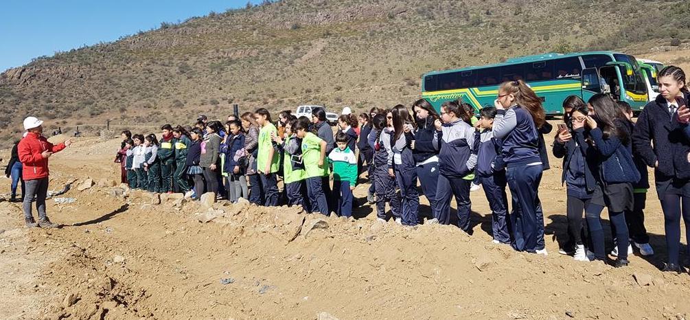Estudiantes de Rancagua visitaron el relleno sanitario Colihue La Yesca