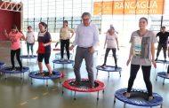 Alcalde entrega nueva implementación a taller de Aero Jump