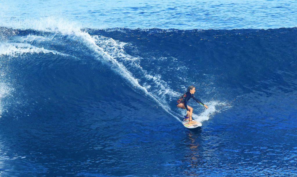 Surfista de Puertecillo alcanza el tercer lugar en mundial de Brasil