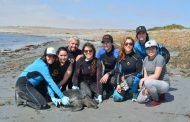 Estudiante lucha por proteger las tortugas verdes en el norte de Chile